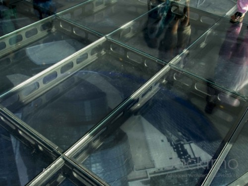 one world observatory3 glassflooring 5240 640 480 100