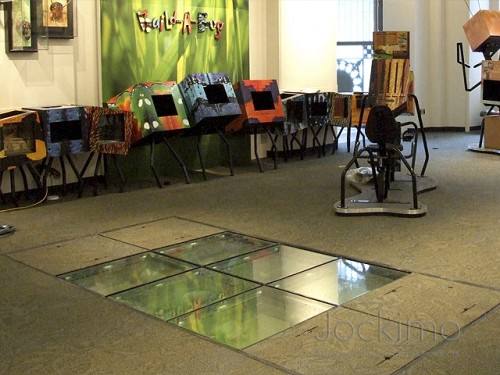 scorpionpit glassflooring close